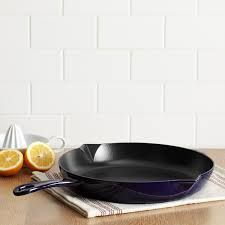 Grills and fry pans enhance kitchen style and make your feel proud on your purchase also an ideal product to add to your kitchen. http://www.auroracollectibles.com/index.php/webshop/products/Cookware/1/0/Staub/101/Grills-and-Fry-Pans/165
