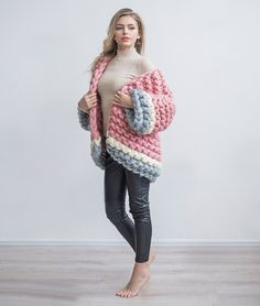 Pink Cardigan, Oversized Cardigan, Knit Jacket, Bomber Jacket, Big Knits, Chunky Knits, Sweater Coats, Big Sweater, Winter Fashion