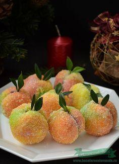 Fursecuri Piersici Umplute New Recipes, Sweet Recipes, Cookie Recipes, Dessert Recipes, Favorite Recipes, Peach Cookies, Fancy Cookies, Romanian Desserts, Romanian Food
