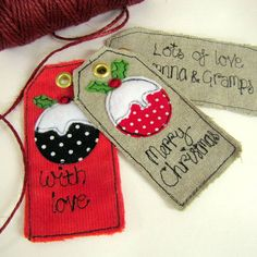 love these Christmas fabric gift tags.If you want to make your OWN Xmas decorations, clothes an. Christmas Applique, Christmas Gift Tags, Christmas Wrapping, Felt Christmas, Homemade Christmas, Christmas Snowman, Christmas Quilting, Christmas Ideas, Christmas Sewing Projects