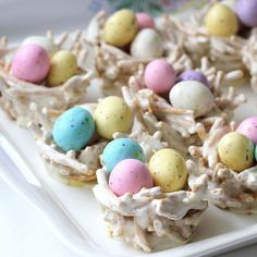 DIY Easter egg nests: chow mein noodles + marshmallows + candy.