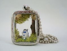 R2D2 Terrarium Necklace Star Wars Shadow Box by AllSewnUpCustoms