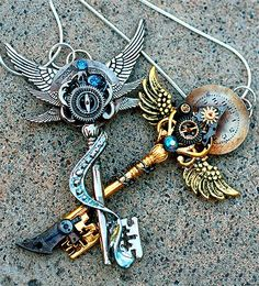 Steampunk key necklaces. By Keyperscove. Etsy page: http://www.etsy.com/people/KeypersCove?ref=pr_profile  @Jen Yates