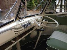 1967 VOLKSWAGEN CAMPER 1765cc SPLIT SCREEN interior