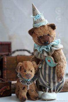 Мишки Тедди ручной работы. Ярмарка Мастеров - ручная работа. Купить Плюшевый медвежонок и его собачка. Handmade. Комбинированный, тедди