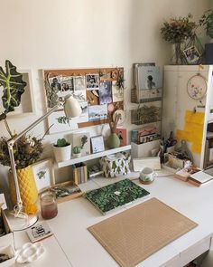 DIY Home Decor - A step by step resource on room decor example. Splendid advice decimal 5404771249 found in home decor on a budget decoration catergory as well posted on 20190330 Study Room Decor, Room Ideas Bedroom, Study Rooms, Cork Board Ideas For Bedroom, Diy Cork Board, Cool Room Decor, Study Areas, Study Space, Desk Space