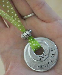 Customized Washer Necklace | AllFreeHolidayCrafts.comI like the bead and ribbon elements!