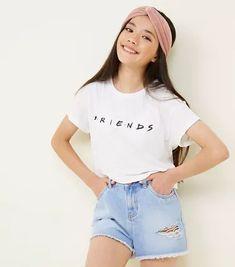 Girls White Crew Neck Friends Logo T-Shirt Teens White Friends Slogan T-Shirt Girls Summer Outfits, Teen Girl Outfits, Cute Outfits For Kids, Teen Fashion Outfits, Outfits For Teens, Teenage Outfits, Preteen Fashion, Girls Fashion Clothes, Kids Fashion