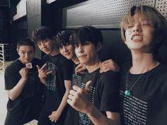 my bias is the one wearing black Korean Bands, South Korean Boy Band, Park Jae Hyung, Warner Music, Jae Day6, Day6 Dowoon, Kim Wonpil, Young K, Fandom