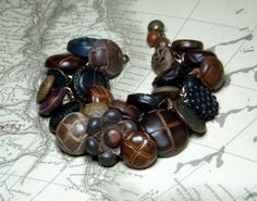 vintage button bracelet. most amazing piece of jewelry i have ever seen. truly.