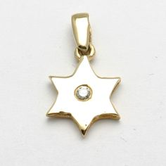 14k Yellow Gold Diamond Star of David pendant Solitaire
