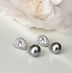 Lingt Grey Swarovski Pearl Earrings Wedding Earrings drop earrings by DreamIslandJewellery #etsyweddings