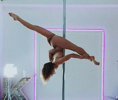 Pole Dance Moves, Pole Dancing Fitness, Pole Fitness, Barre Fitness, Fitness Exercises, Aerial Hoop, Aerial Arts, Aerial Silks, Pool Dance
