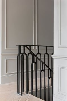 Another restored home in London by Undercover Architecture - house and flat decorations Iron Stair Railing, Stair Handrail, Staircase Railings, Stairways, Handrail Ideas, Metal Spindles, Modern Railing, Wrought Iron Stairs, Banisters