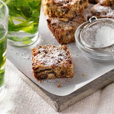 A healthier WW recipe for Rolled oat and date slice ready in just Get the SmartPoints plus browse our other delicious recipes today! Date Recipes, Ww Recipes, Delicious Recipes, Loaf Recipes, Healthy Cake, Healthy Snacks, Healthy Recipes, Date Slice, Good Food