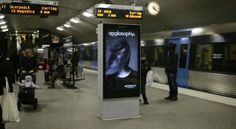 Amazing Billboard Ad Blowing in The Wind – Fubiz™