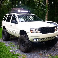 Good morning my #jeeples check out this super clean #wj #jeep from @wschoenberger_219