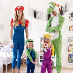 15 Fun Family Halloween Costume IdeasYou can find Family costumes and more on our Fun Family Halloween Costume Ideas Costume Halloween Famille, Mario Halloween Costumes, Matching Family Halloween Costumes, Disney Family Costumes, Stranger Things Halloween Costume, Theme Halloween, Halloween Costume Contest, Cute Halloween Costumes, Couple Halloween