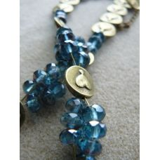 Blue necklace, colourtype autumn