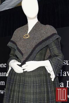 Outlander-Costumes-Mid-Season-New-York-Premiere-Tom-LOrenzo-Site-TLO-(8B)