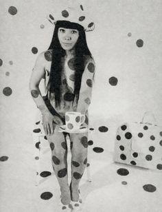 yayoi+kusama+1960s+polka+dots+hat+bag.jpg (658×861)