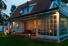 Entries feed for trava_trava Porch And Terrace, Patio Gazebo, New England Homes, New Homes, Le Logis, Country Home Exteriors, Cottage Exterior, Backyard Projects, Architect Design