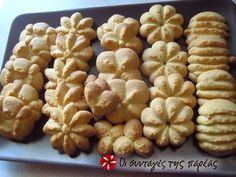 Μπισκότα βουτύρου. Biscotti Cookies, Cupcake Cookies, Chip Cookies, Greek Sweets, Greek Desserts, Greek Recipes, Sweets Recipes, Cookie Recipes, Vet Cake