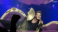 Queen + Adam Lambert Live - Mohegan Sun Arena 2 - Via @Jesha84 Smile! pic.twitter.com/PrO7OwOQaX