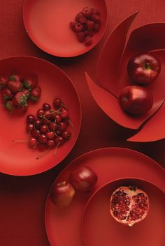 Odile Decq e Jasper Morrison per Alessi Odile Decq, Aesthetic Colors, Red Walls, Alessi, Shades Of Red, My Favorite Color, Food Styling, Red Color, Food Art