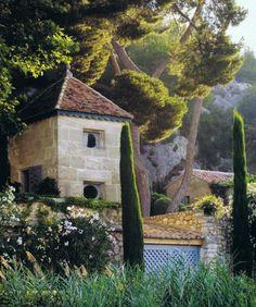 Provence home via Trouvais.com