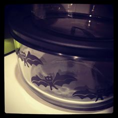 Halloween Pyrex    I found this at Target for 3.99 :)