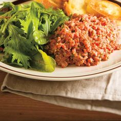 Beef Tartare (The Best) My Recipes, Beef Recipes, Holiday Recipes, Favorite Recipes, Tartare Recipe, Ricardo Recipe, Valeur Nutritive, Low Carb Keto, Main Meals