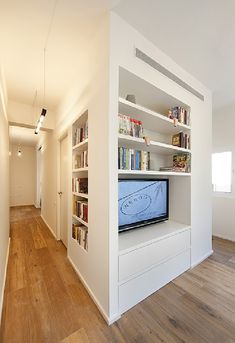 Small multi-functional 40 Square Meter Apartment in Tel-Aviv