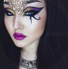 Ancient Egyptian Eye Makeup - tutorial Ancient Egyptian Eye Make. Fx Makeup, Beauty Makeup, Hair Makeup, Makeup Ideas, Mummy Makeup, Make Up Looks, Egyptian Eye Makeup, Cleopatra Makeup, Goddess Makeup