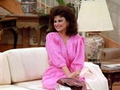 Delta Burke as Suzanne Sugarbaker 80s And 90s Fashion, Fashion Tv, Womens Fashion, Fashion Trends, Southern Girls, Southern Belle, Southern Sayings, Southern Charm, Dj Like