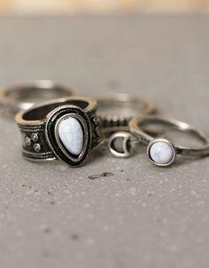 Conjunto 5 anéis boho palavra e pedra branca - Acessórios mulher - Bershka Portugal