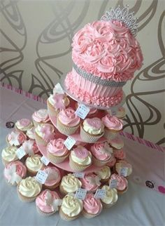 Cupcakes Decorating Ideas Giant 70 Ideas For 2019 Baby Shower Cupcake Cake, Wedding Shower Cupcakes, Giant Cupcake Cakes, Large Cupcake, Fondant Cupcakes, Birthday Cupcakes, Shower Cakes, 90th Birthday, Birthday Ideas