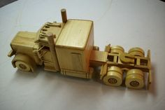 Foto: Tools And Equipment, Peterbilt, Wooden Toys, Woodworking, Car, Wooden Toy Plans, Wooden Toy Trucks, Wood Plane, Wood Toys