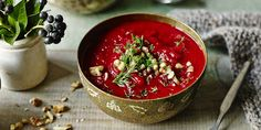 This nutritious soup comes from the lovely Madeleine Shaw. Filled with our favourite root veggies, beets and sweet potato but also fresh dill, this dish is perfect to eat for when youre between seasons. Beetroot Soup, Beetroot Recipes, Easy Soup Recipes, Cooking Recipes, Chili Recipes, Paleo Recipes, Cooking Tips, Root Veggies, Vegetables