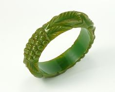 Check out #eBay #auction for Rare Vintage Art Deco Carved Leaf and Berry Green Bakelite Bangle Bracelet #bakelite #artdecobracelet #bakelitebangle #carvedbakelite #bangles #greenbakelite #bracelet #greenbangle #greenbakelie #spinachbakelite #artdeco #artdecojewelry #vintagejewelry #leaf #berry #leafbakelite #leafandberry