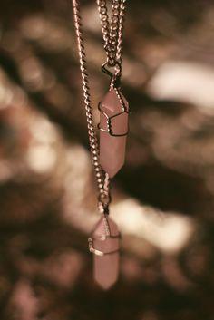 Rose quartz chain necklace