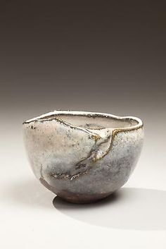 Kaneta Masanao (1953) Natural ash and Hagi-glazed chawan with kiln effects in gray-black colorations