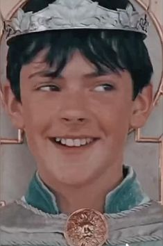 Edmund Narnia, Narnia Cast, Narnia 3, Aesthetic Movies, Aesthetic Videos, Chronicles Of Narnia Characters, Hogwarts, Narnia Movies, Edmund Pevensie