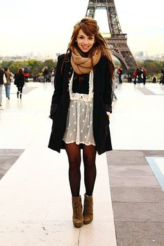 i want to stand in front of the eiffel tower & look exactly like this...