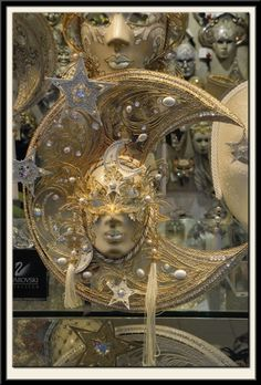 Mask shop window, Venice