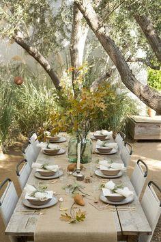 Autumn table setting | Image via thezoereport.com
