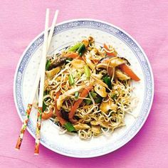21 november - Woknoedels in de bonus - Recept - Kip chow mein - Allerhande