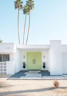 Palm Springs Door Tour — Adore Home Magazine Palm Springs Houses, Palm Springs Style, Modern Landscape Design, Modern Landscaping, Yard Landscaping, Landscaping Ideas, Palm Springs Mid Century Modern, Spring Architecture, Mid Century Exterior