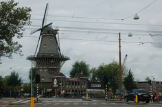 It used to be a chocolate mill, which was built in 1801 on the lower part of the drill mill which stood there before, was demolished in 1906. This mill is to put down. #amsterdam #Molen