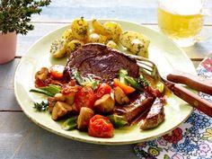 Huftsteak mit gebratenen Champignons und Thymian-Butter-Kartoffeln
